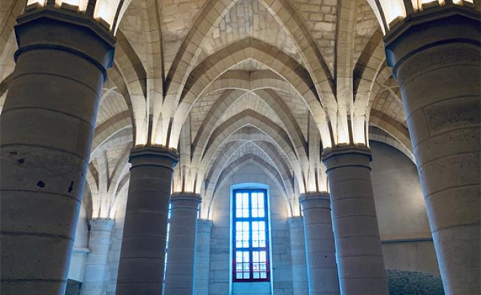 穿越中世紀,巴黎古監獄里的奇妙探險