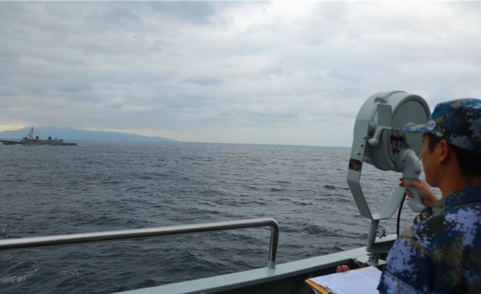 太原艦返航途中與海上自衛隊艦艇開展聯合訓練