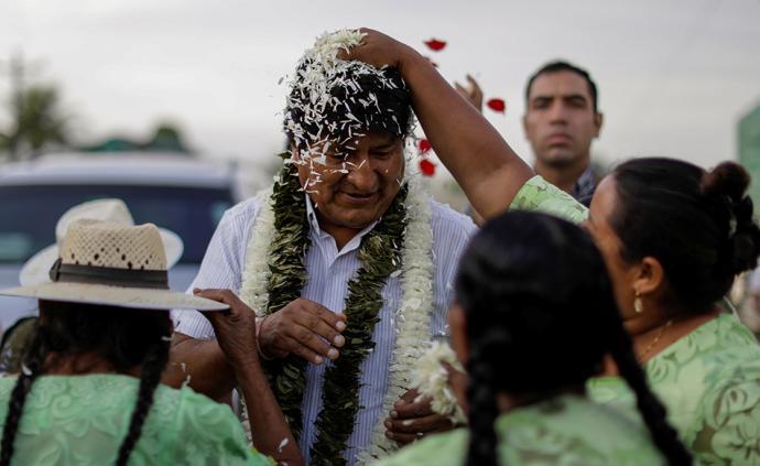 玻利维亚大选:现总统莫拉莱斯得票领先,可能进行第二轮投票