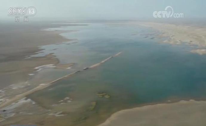 """敦煌干涸近300年""""哈拉奇""""水域重现,水面达5平方公里"""