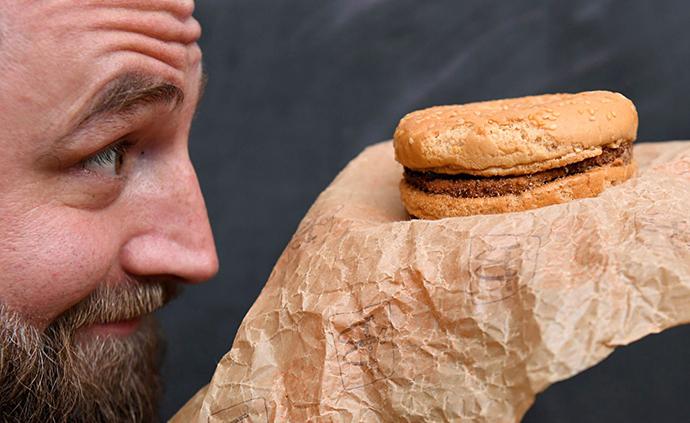 早安·世界|一个保存了25年的麦当劳汉堡,如今?#24266;?#23436;好