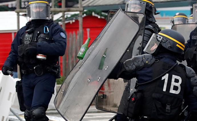 """法""""黃背心""""運動一周年,數千示威者與警方爆發沖突"""