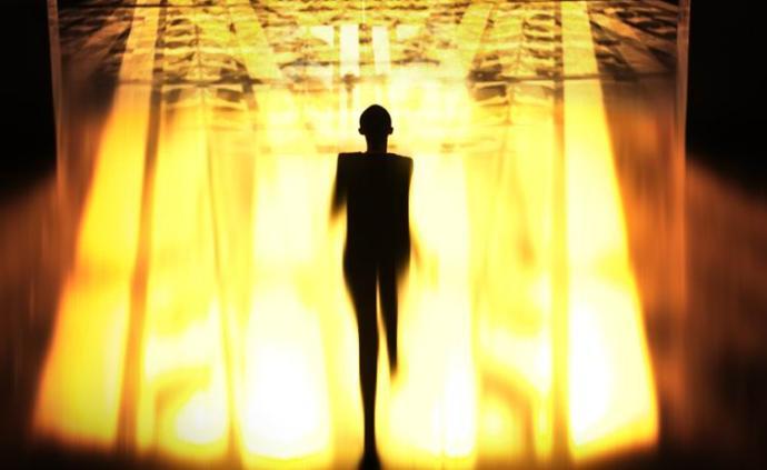 圣羅蘭發布自我SELF 05短片,看王家衛夏永康如何詮釋
