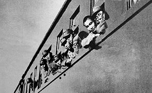 """日本人讲抗战︱操东北话的日本""""义勇军""""跟随林彪过长江"""