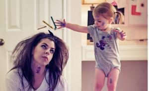 读图|年轻辣妈记下被宝宝逼疯的N个瞬间