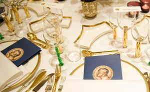 斯诺登及罗马教皇再获2015年诺贝尔和平奖提名