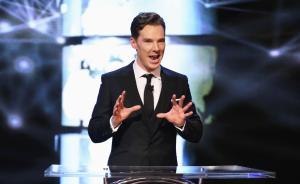 """劳伦斯上海颁奖礼确认""""卷福""""主持,银幕下他是狂热体育迷"""