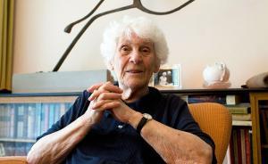 迟到77年!102岁老太太成世界上最年长博士学位获得者