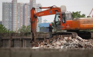 上海北外滩一不可移动文物被拆除,施工人员携狼狗拒绝采访