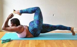 胖姑娘变身瑜伽高手,她可以你也可以