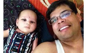 反对重男轻女,印度网友最新流行风:晒跟女儿的自拍照