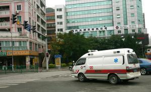 救护车没载病人闯红灯撞死电瓶车主,律师:出事故,就要担责