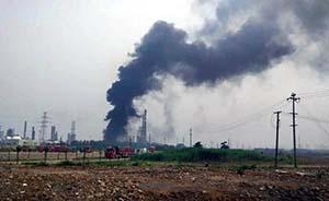 南京扬子石化爆燃起火,扑救一天一夜仍有余火期间曾复燃