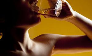 武汉5岁男童被罚喝20多杯水致肾积水?园方回应只喝10次