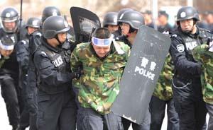 """新疆巴楚5暴徒高喊""""圣战""""持刀袭警,3人被击毙"""