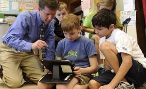 """比尔•盖茨如何花34亿美元让美国中小学教育不再""""支离破碎"""""""