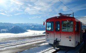 因中国游客爆满特设亚洲专列,瑞士景点否认歧视中国人