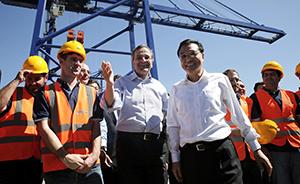 李克强考察希腊最大港口,其海运航线为中欧间最短