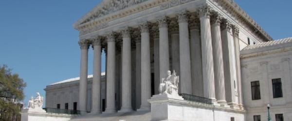 美国最高法院这十年:小黑屋、大法官和他们的助手