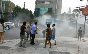 杭州公交纵火嫌疑人将可燃物藏在座位下,一小时后倾倒点燃