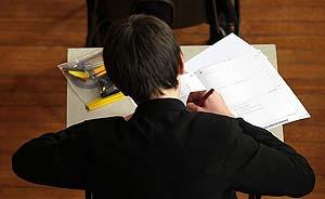 """英国仅1/8学生""""高考""""选数学,皇家学会呼吁取消A-level考试"""