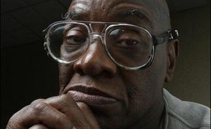 美国非裔男子蒙冤入狱27年,获赔1665万美元及清白证书