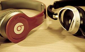 苹果公司30亿美元收购案杂音:Bose状告耳机新贵Beats