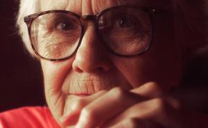 《杀死一只知更鸟》作者哈珀·李去世,享年89岁
