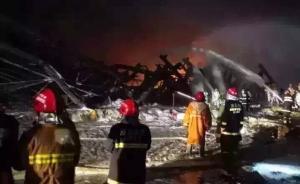 江苏靖江化工仓储企业火灾,一26岁消防员掩护战友牺牲