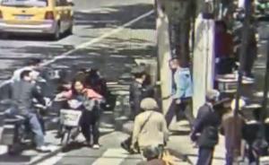 外卖员在上海街头闯红灯被罚,挥菜刀威胁民警被刑事拘留