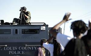 """这是埃及乌克兰?美国警察动用军队装备""""镇压""""抗议"""