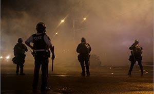 洋跟帖|美国网友如何看警察枪杀黑人青年事件?