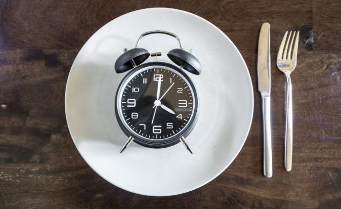 每天10小時限時飲食可幫助代謝綜合征患者減體重、降血壓