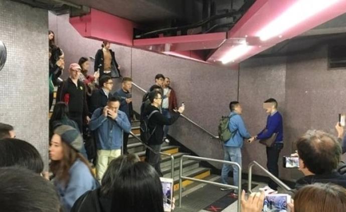 香港兩外籍男子打傷1名警察,1人被抓1人逃跑