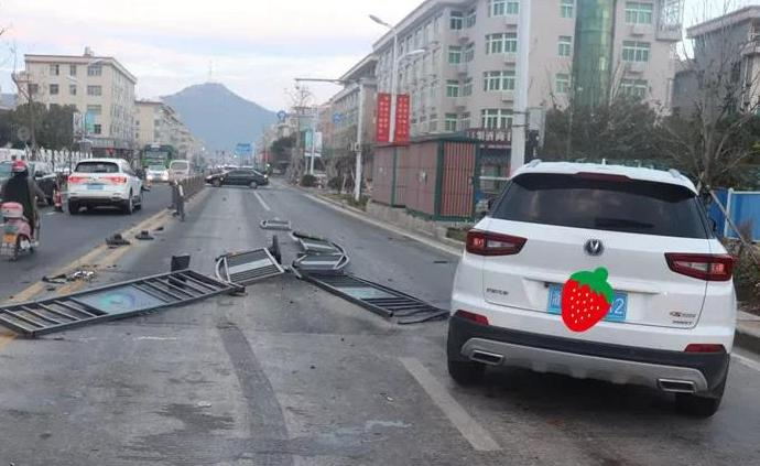 """女司机凌晨驾车撞护栏,因食用""""网红果冻""""被认定酒驾"""