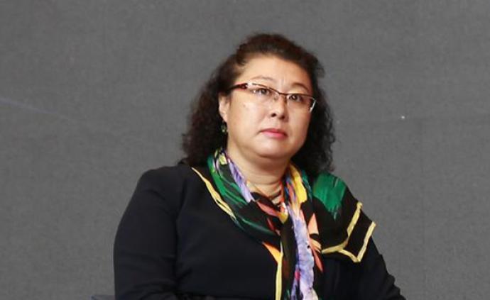这名对诈骗犯无理要求深信不疑的内蒙古女厅官被公诉