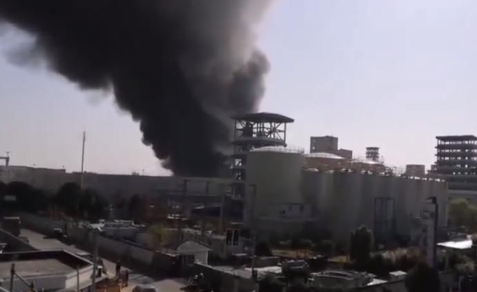 上海一粮油公司发生火灾,火势已得到控制无人伤亡