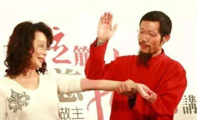 """致華裔男童死亡,""""拍打拉筋大師""""蕭宏慈在澳獲刑10年"""