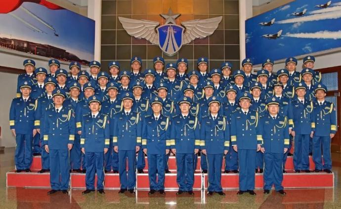 空軍舉行晉升將官軍銜儀式:5人晉升中將,38人晉升少將