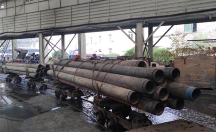 四川透水煤礦救援:井口出現水流,井下救援排水力度加大加強