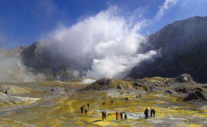 """新西蘭火山噴發背后,""""火山旅游""""是否安全?"""
