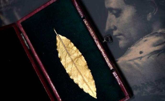 中國藏家買下的拿破侖王冠金葉亮相深圳,160余件珍寶同展