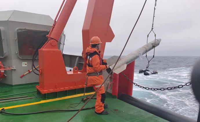 南極行·隊員日志|雪龍號撒下今次科考首網,撈了些浮游生物
