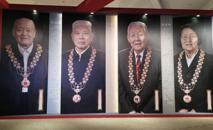 看展览|聚焦不平凡的中国人,《我和我的祖国》主题展开幕