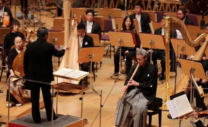 武滿徹與《十一月的階梯》:日本音樂的崛起