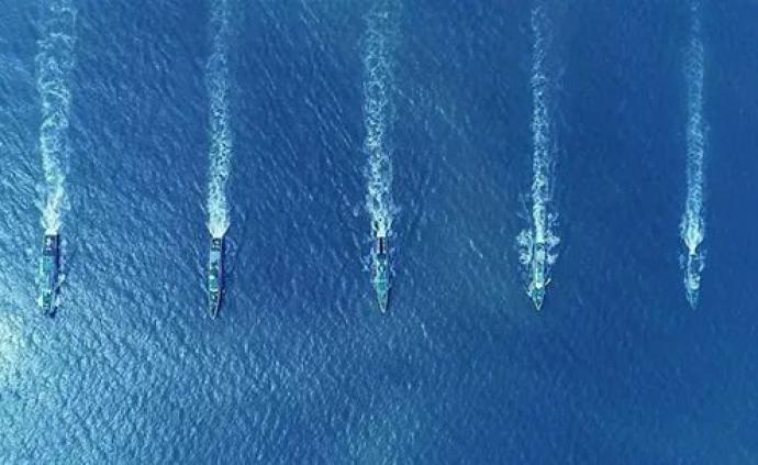 中国海警舰艇编队1月14日在我钓鱼岛领海巡航