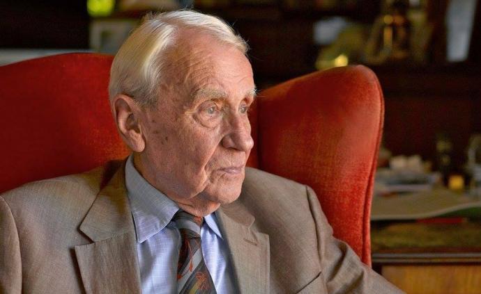 《魔戒》作者托尔金之子克里斯托弗·托尔金去世,享年95岁