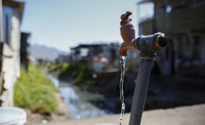 环境部:长江经济带乡镇集中式饮用水水源七成完成?;で?>                 <span class=