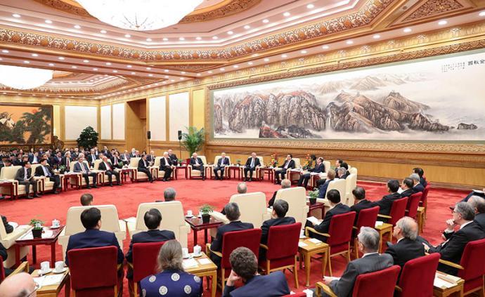 李克強同在華外國專家舉行新春座談會:今年繼續制度性減稅