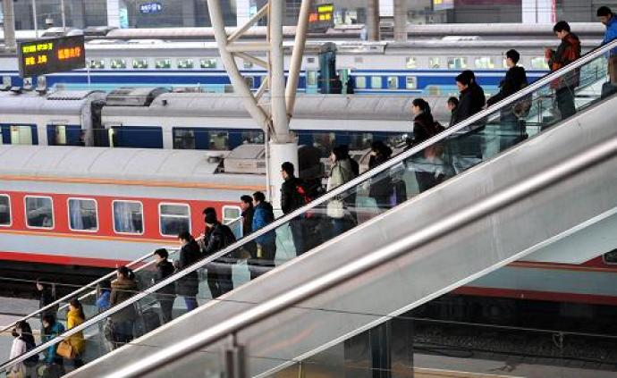全國鐵路預計今日發送旅客1210萬人次,同比增15.5%